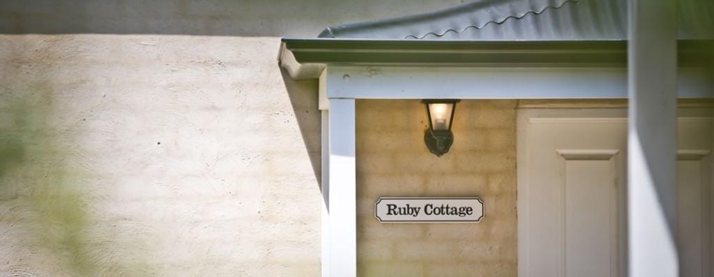 Encounter Hideaway Cottages